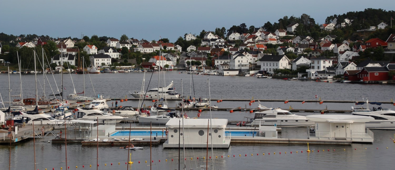 Illustration of floating solutions supplied to Arendal Harbour